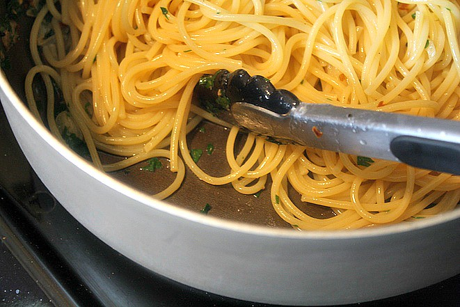 Spaghetti and Garlic Oil