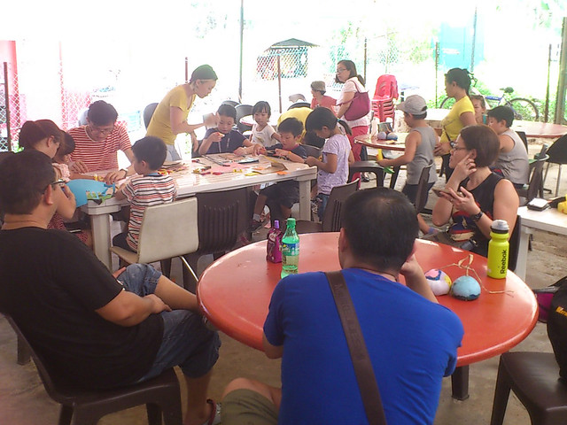 Ubin's Animal Puppet workshop for children and families by Jacquelyn Soo