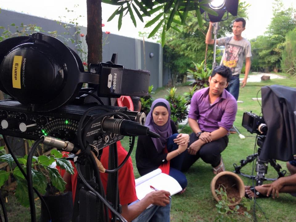 Kamal Adli ketika di lokasi penggambaran Pergilah Air Mata