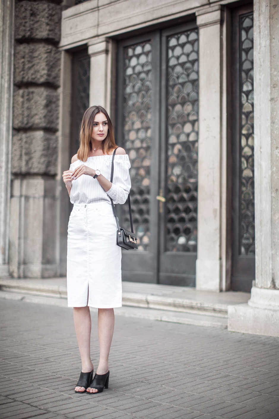 white-denim-midi-outfit-off-shoulder-top-street-style