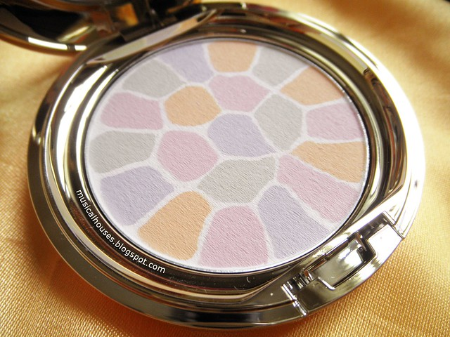 Albion Elegance Face Powder Review Shade 1