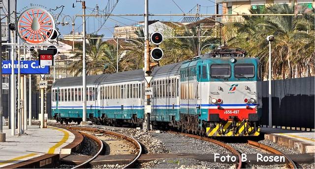 074 - Giugno 2016 - In arrivo a Catania Centrale. 27312012702_aa6e135d02_z