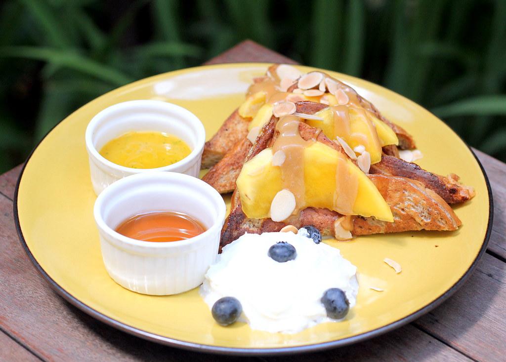 oriole-coffee-bar-mango-french-toast
