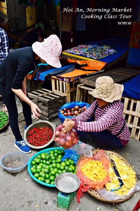 Shopping at Hoi An Morning Market