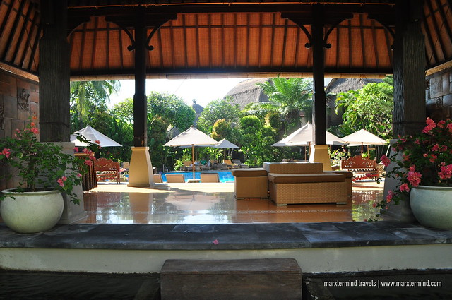 Ramayana Resort & Spa Poolside Lounge