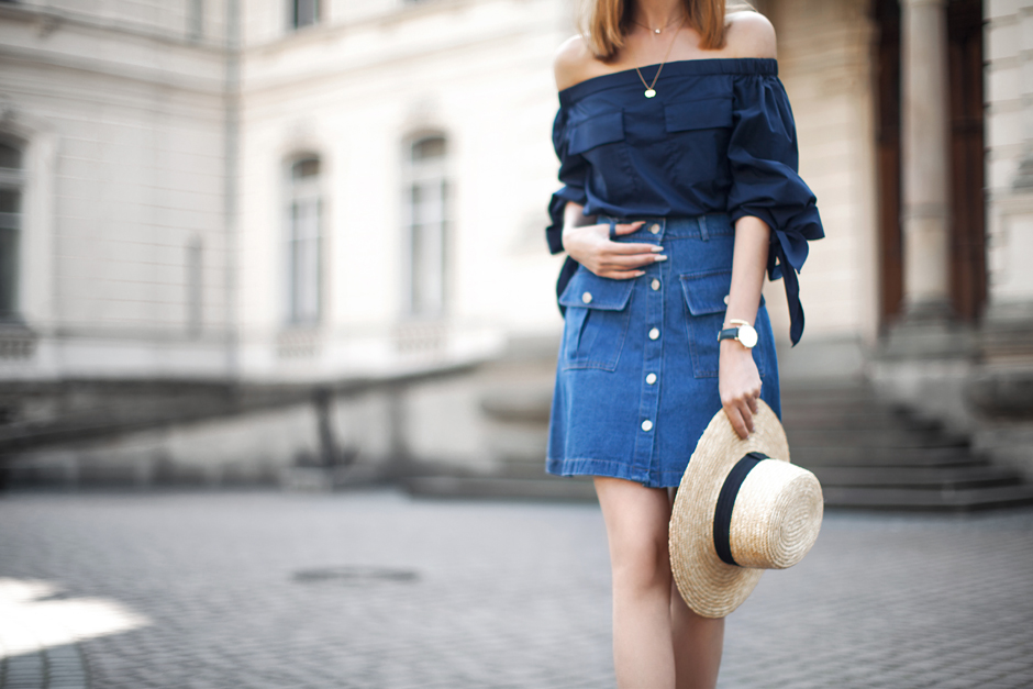 how-to-wear-off-the-shoulder-top-denim-skirt-outfit-idead