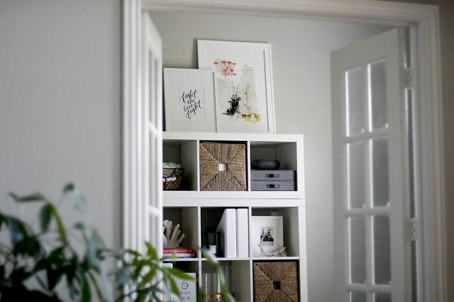 Sarah Office04