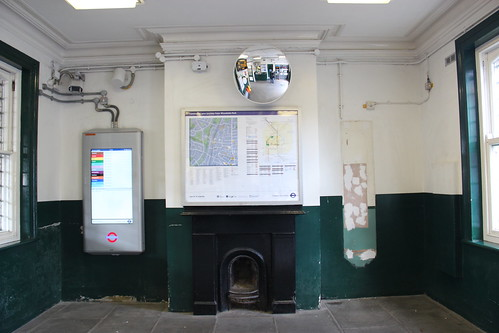 Ticket Office, Woodside Park Station