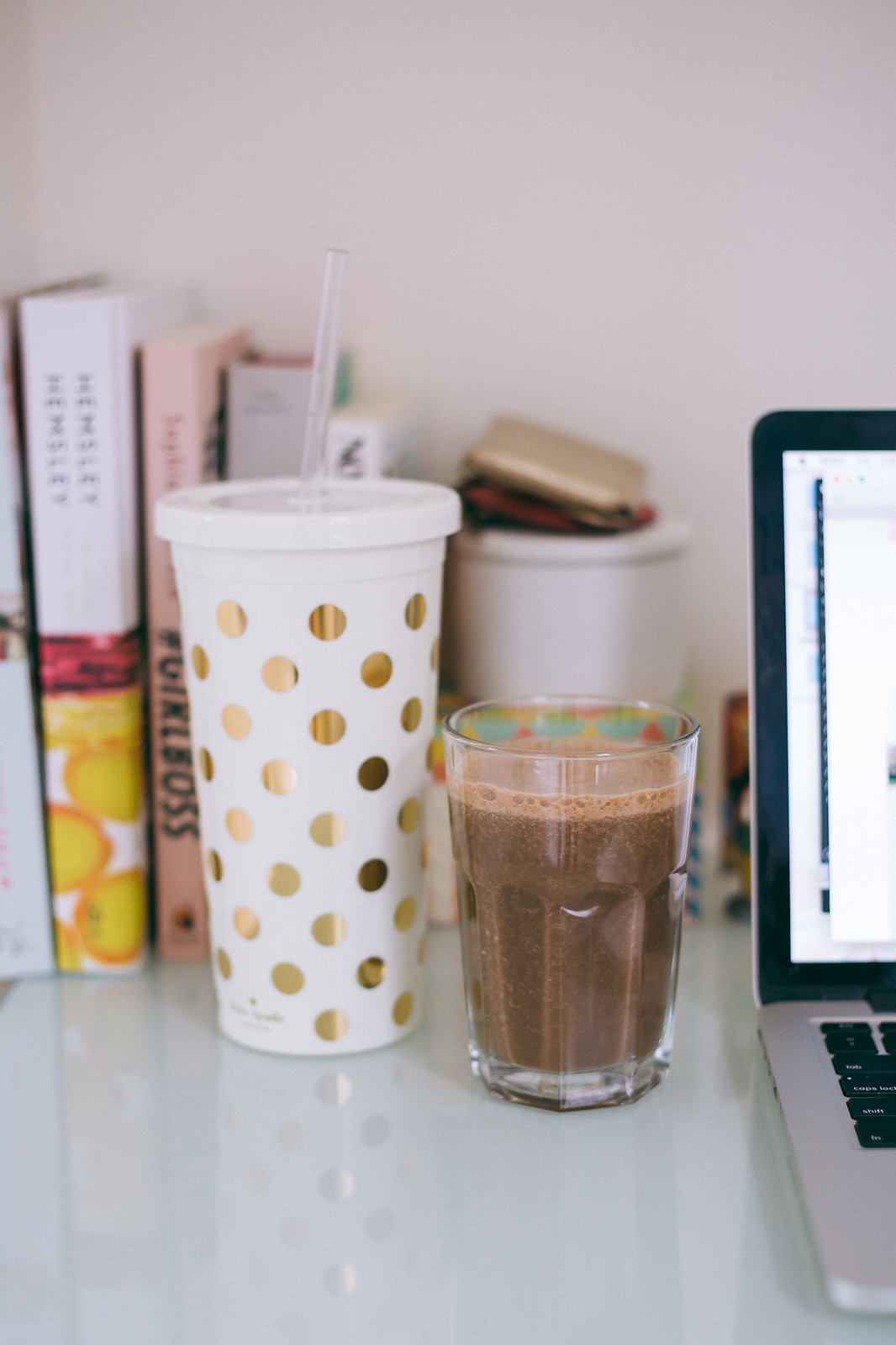 {mexican coffee smoothie} via chevrons & éclairs