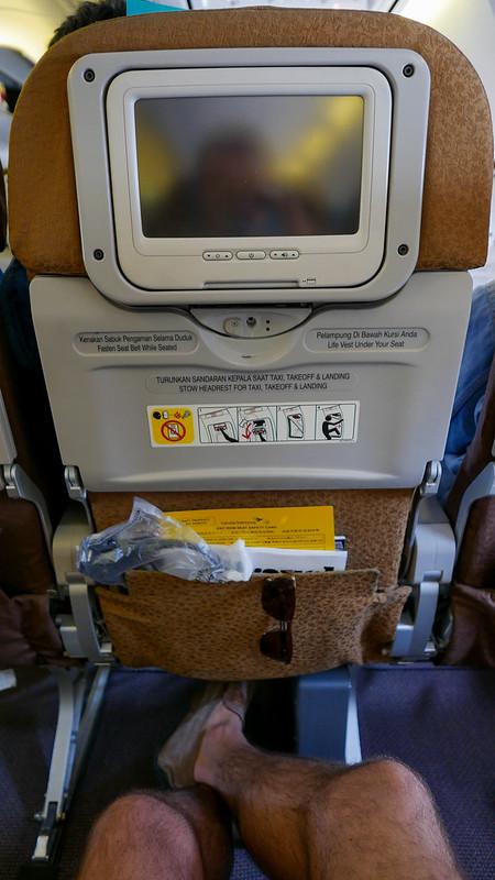 28033115822 4529e58d71 c - REVIEW - Garuda Indonesia : Economy Class - Semarang to Bali (B738)