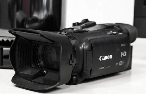 Canon XA25_01