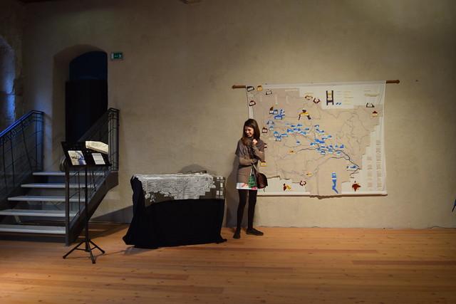 Diana Sbabo e le sue mappe in tessuto