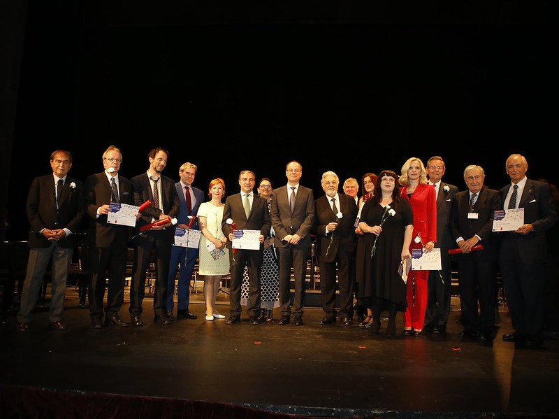 Group photo with Grand Prix laureates and Public Choice Award winner