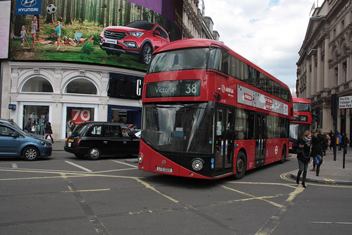 Arriva London North LT222