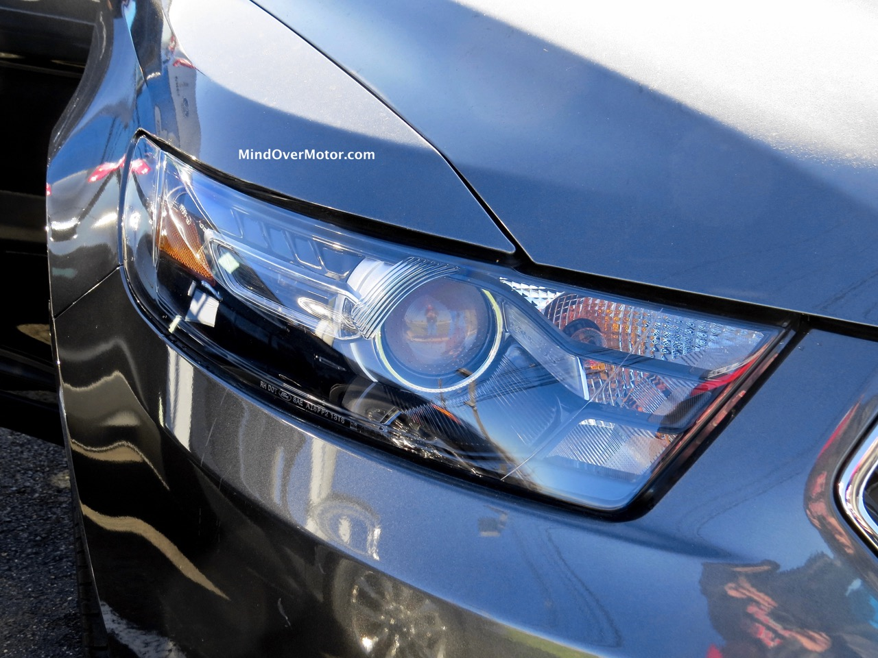 2015 Ford Taurus SHO Headlight