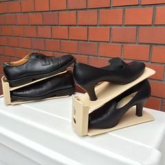 高さが変えられる靴ホルダー