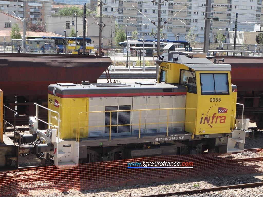 Le locotracteur Y 9055 INFRA SNCF en gare d'Aubagne