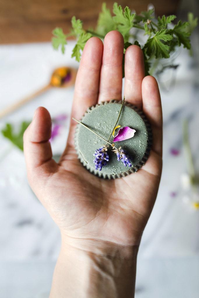 DIY - Kroppsskrubb med Grön Lera & Lavendel - Evelinas Ekologiska