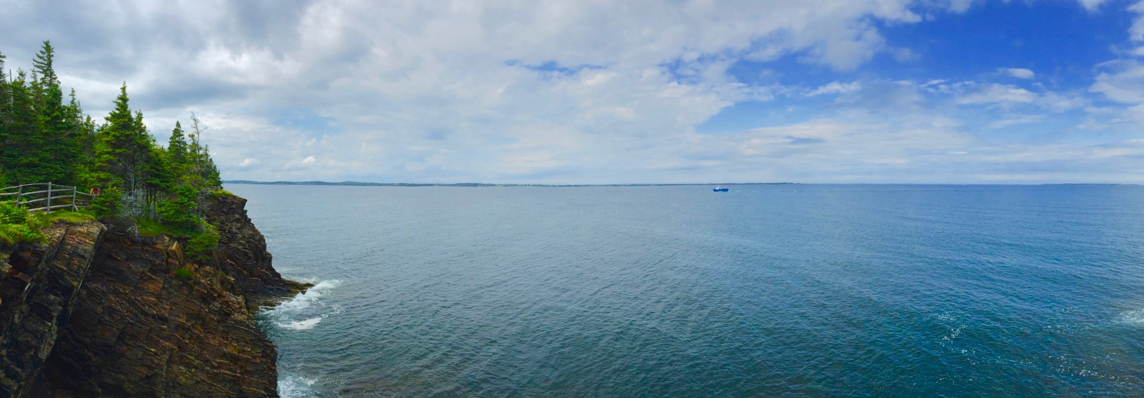 Sea cliffs and the Atlantic Ocean at The Ovens, near Lunenburg, Nova Scotia [OC] [2277 × 794]