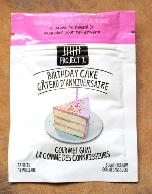 Product Review of Project 7's Gourmet Gum Birthday Cake Flavour