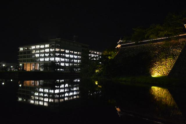 松江城と島根県庁