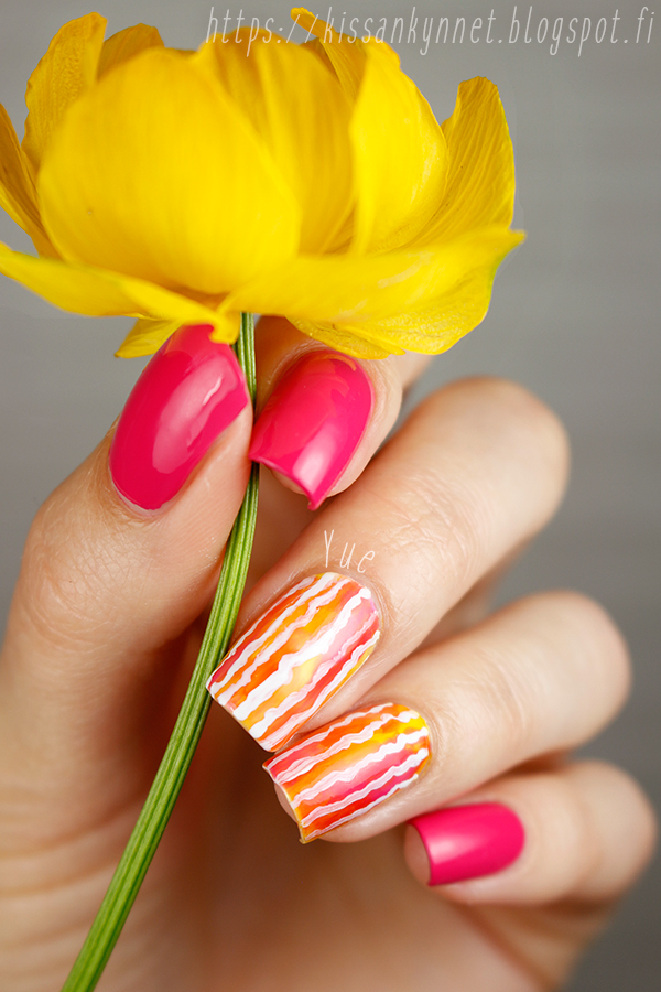 stripe_watercolor_nail_art