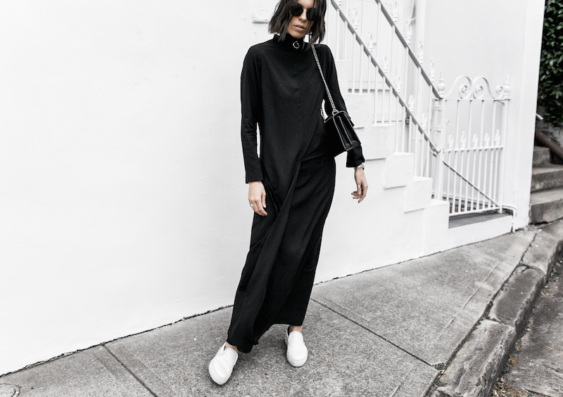 THE MINIMAL MAXI DRESS UNIQLO x HANA TAJIMA modern legacy fashion blogger gucci dionysus bag monochrome street style (4 of 7)