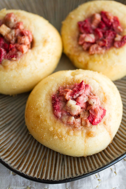 Strawberry-Rhubarb Streusel Buns