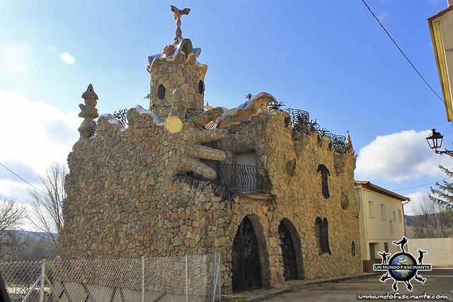 """Casa """"Gaudí"""", Rillo de Gallo (Guadalajara, Castilla-La Mancha. España)"""