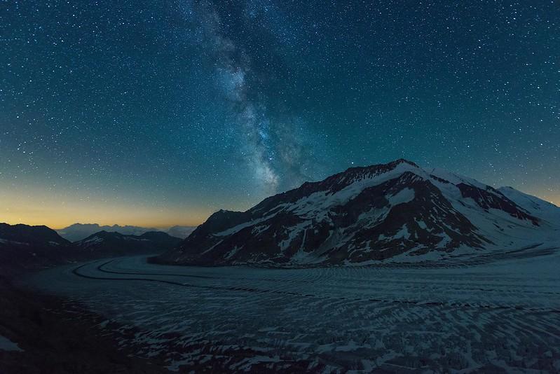 Milky way over the Aletsch glacier - Konkoridahütte
