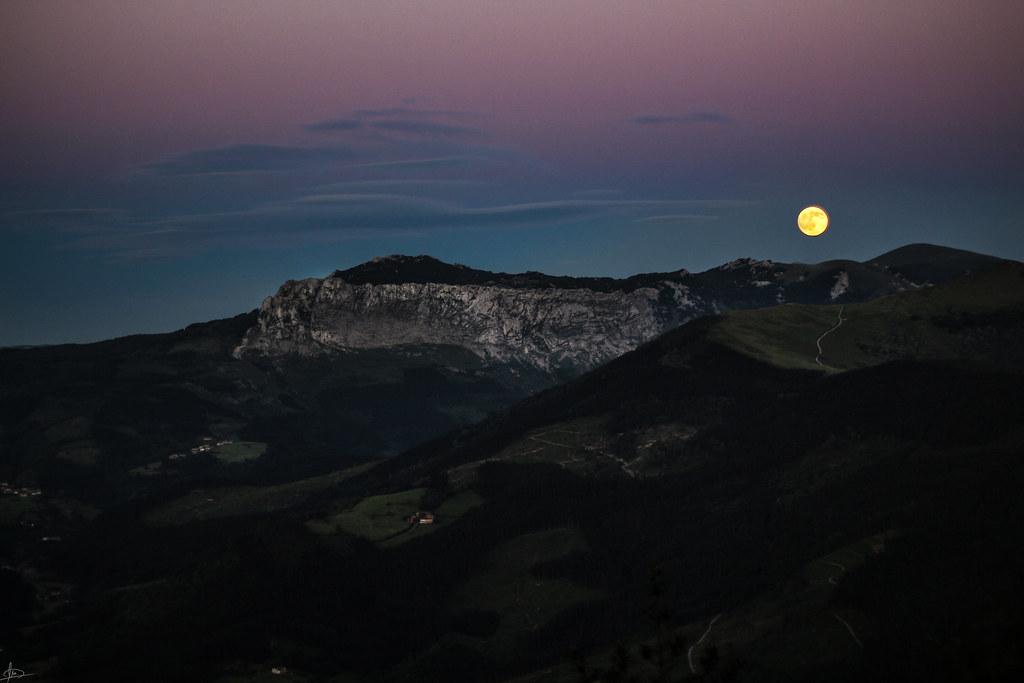 Solsticio verano con luna llena