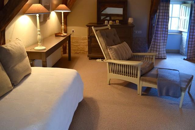 Day Bed at Manoir de Malagorse | www.rachelphipps.com @rachelphipps