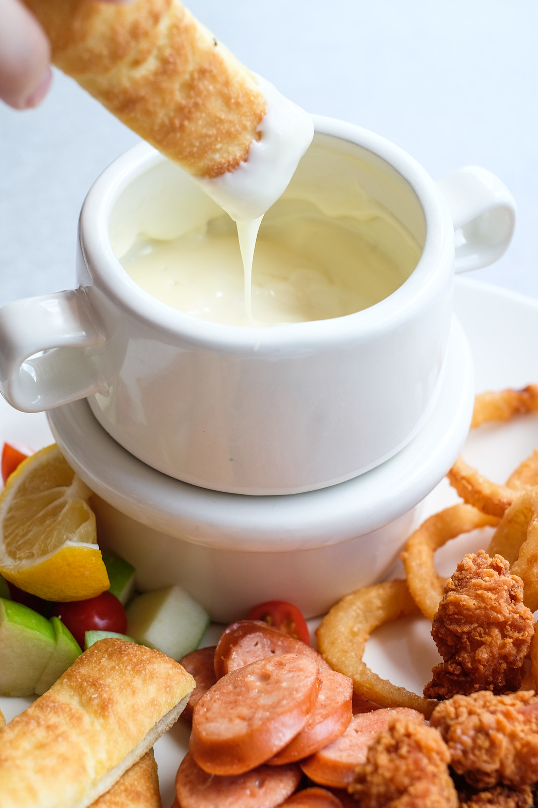 Pizza Hut's melting pot of Cheese Fondue
