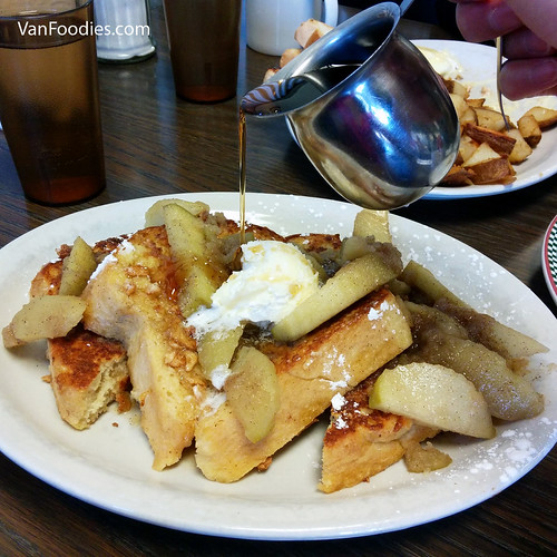 Apple Cobbler French Toast - Syrup On!