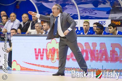 Coach Sacripanti, Cantù