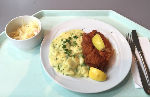 Breaded fried chicken with potato salad / Wiener Backhendel mit Kartoffelsalat