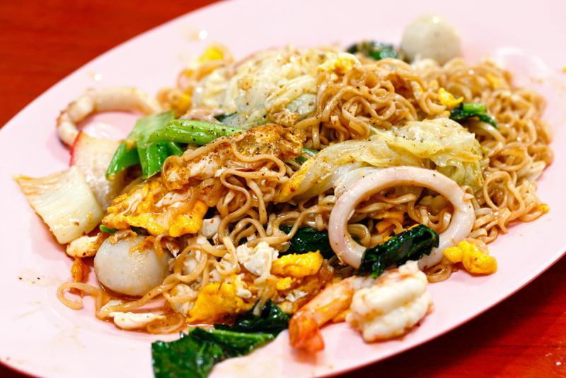 Anusarn Market Fried Noodle