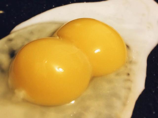 Double Yolk #eggs #doubleyolk #breakfast #food