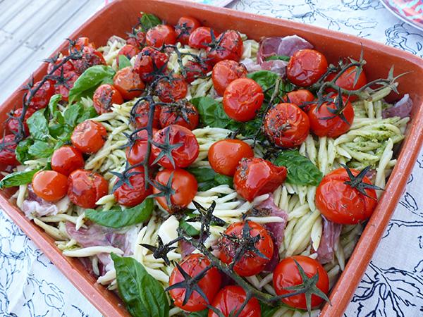 salade%20de%20p%C3%A2tes%20aux%20tomates%20r%C3%B4ties
