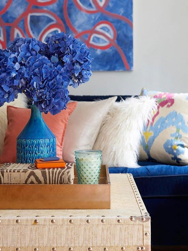 Complementary Colors in Your Living Room | Blue and Orange Decor