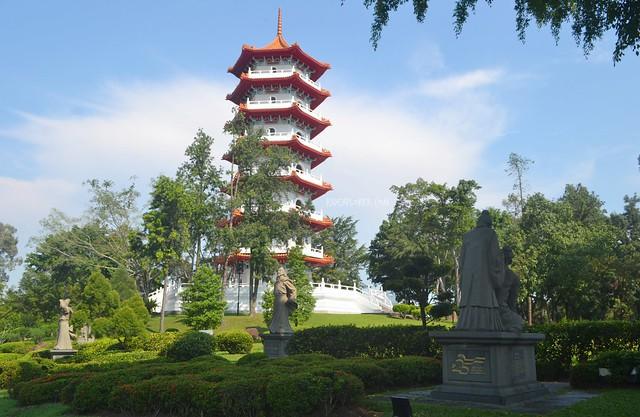 chinese garden seven tier pagoda