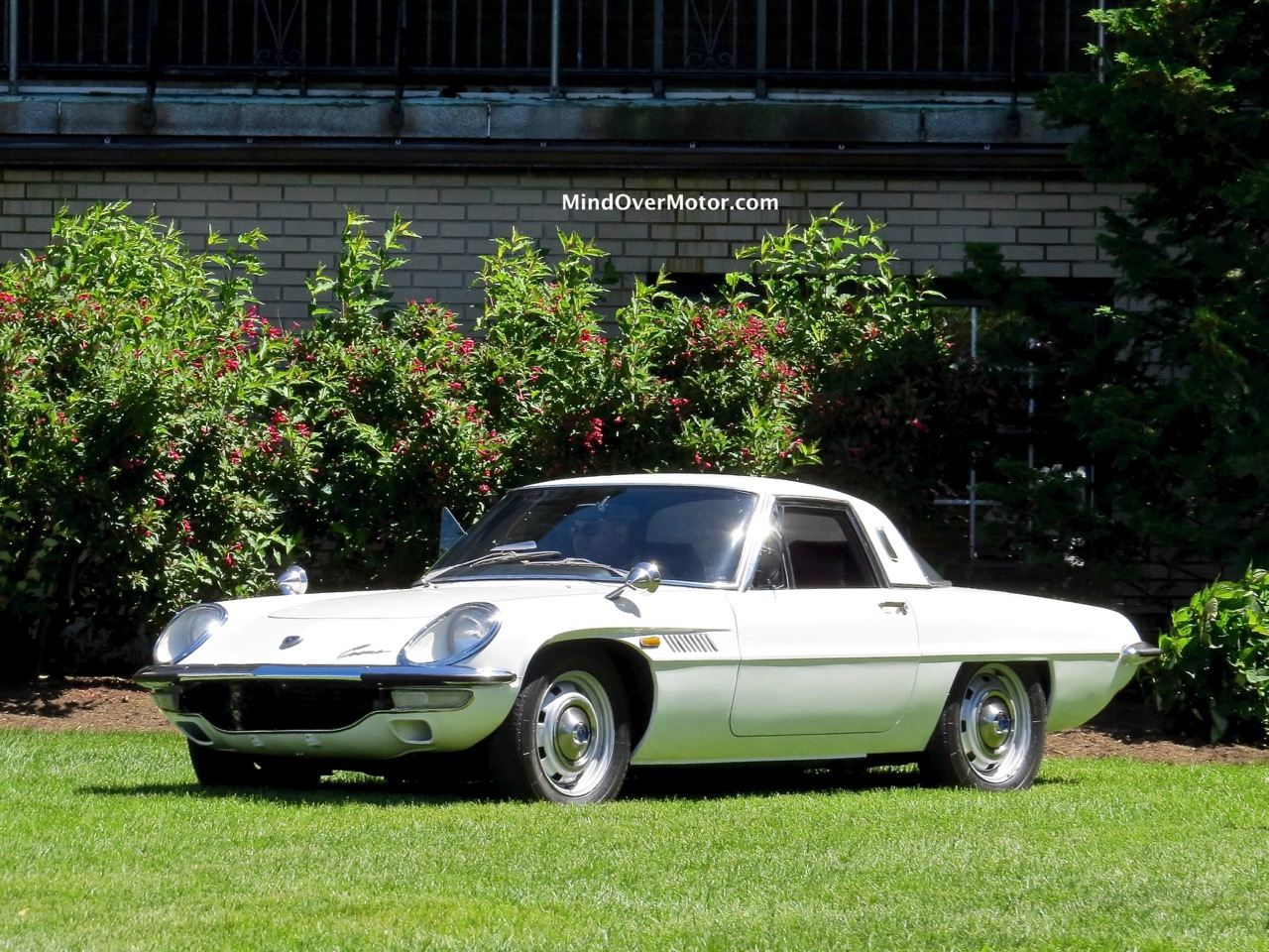Mazda Cosmo Front 2