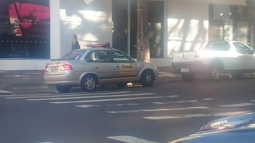 estacionamento irregular veiculo prefeitura