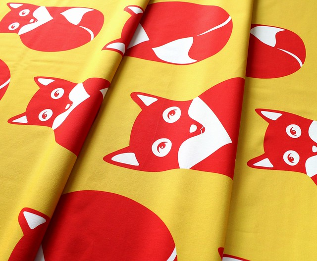 PaaPii Design Foxes Yellow & Red