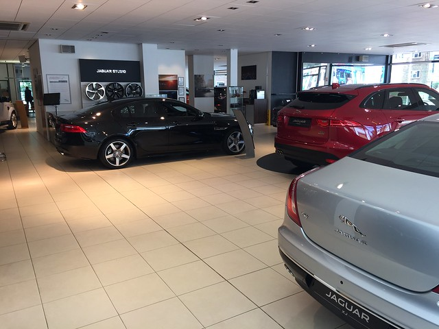 Grange Jaguar and Land Rover Woodford