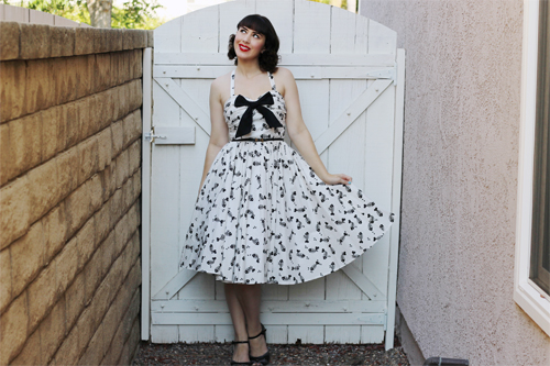 Unique Vintage 1950s White & Black Fish Bone Golightly Bow Swing Dress