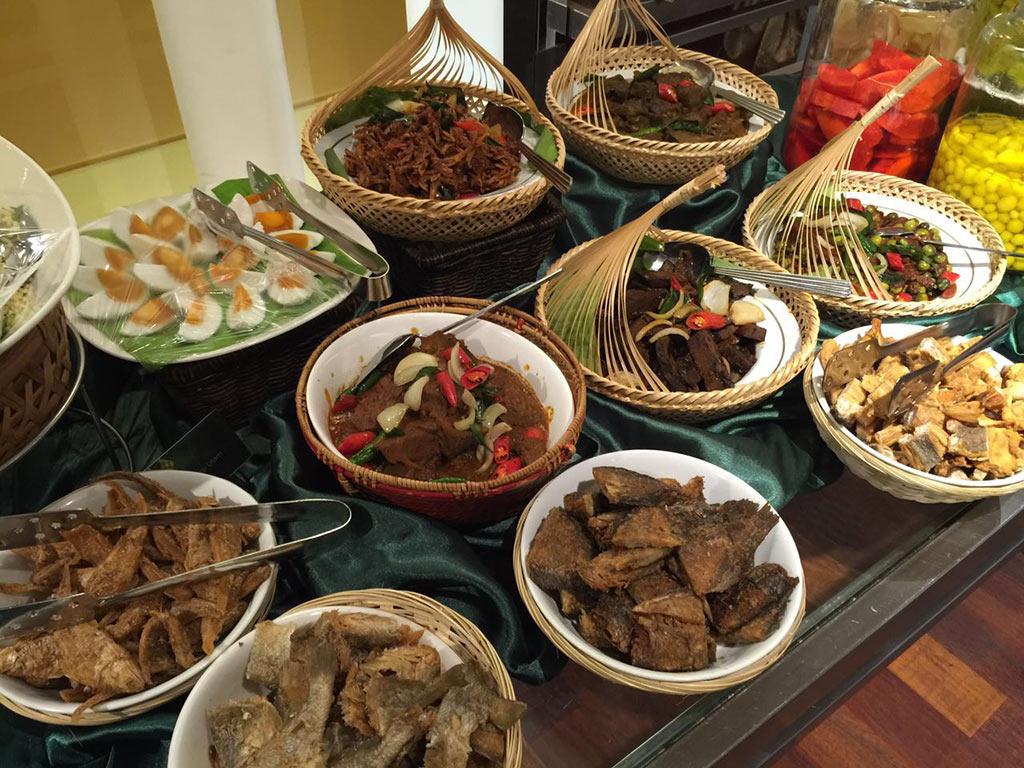 Ramadhan Selera Kampung Chatz Brasserie PARKROYAL KL