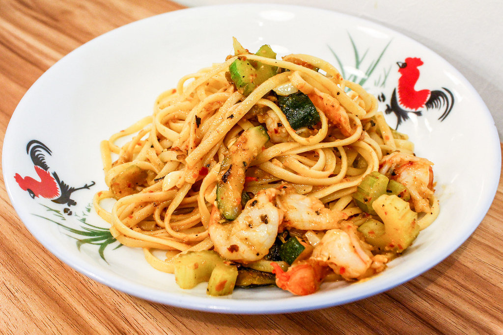 Fancy Hawker Food: Ah Bongs Italian Spicy Prawn Aglio Olio
