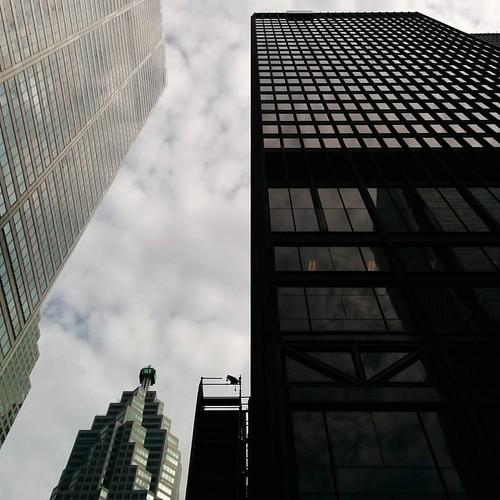 Black tower #toronto #baystreet #financialdistrict #ernstyoung #skyscraper