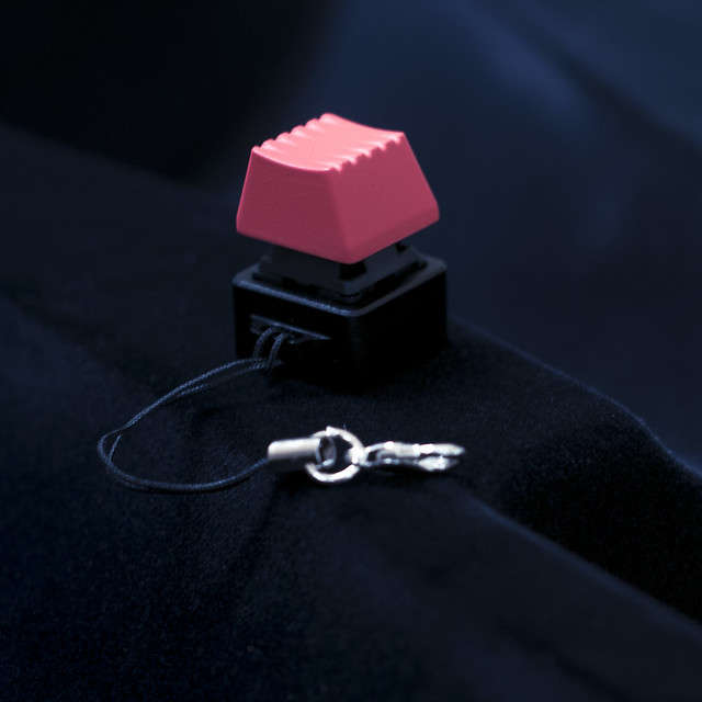 Massdrop CNC Aluminum Cherry MX Keychain with Rama Works key cap
